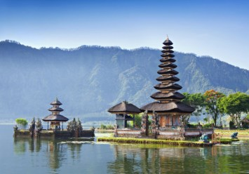 bali-temple-(fileminimizer)